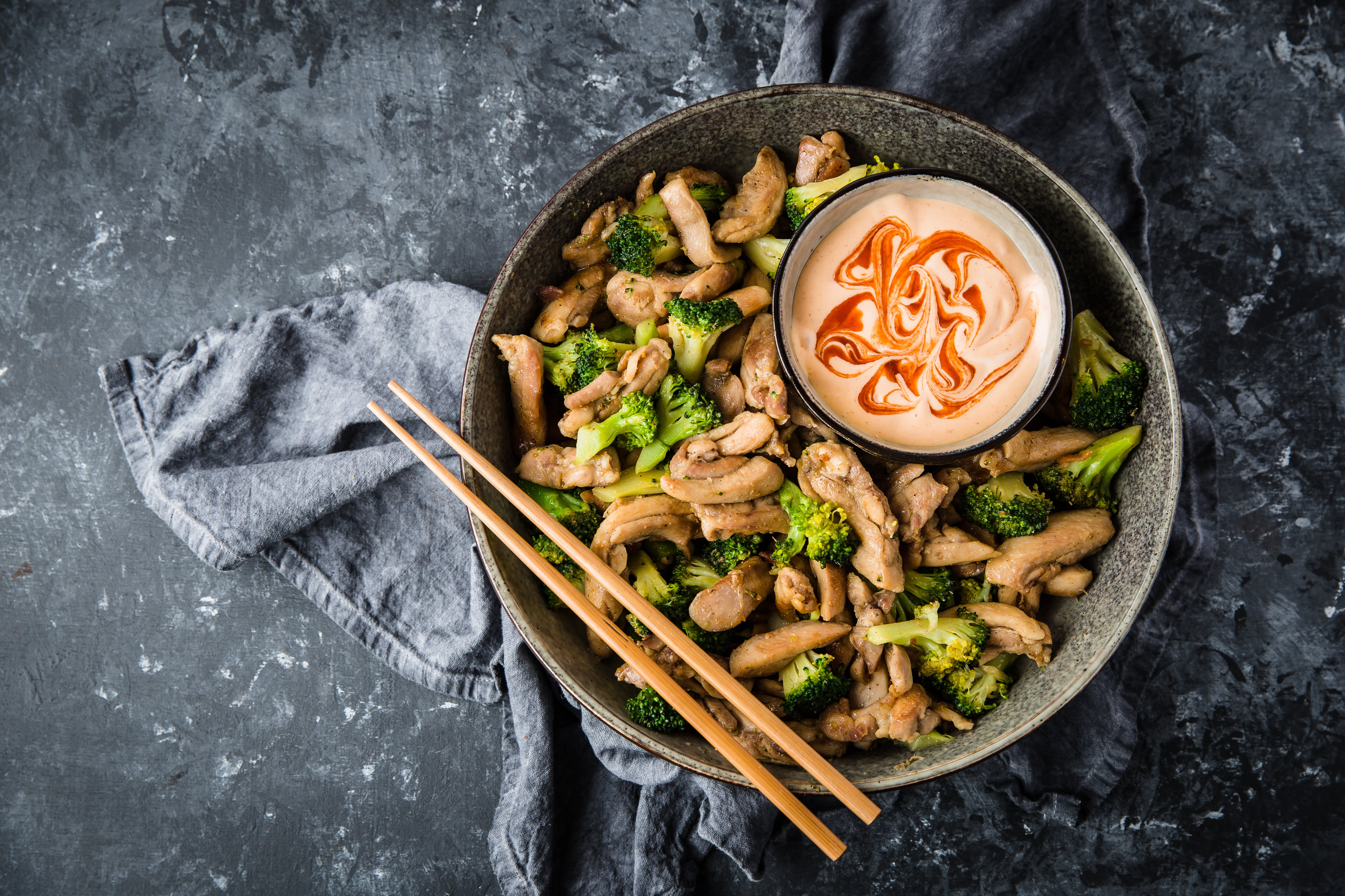 Asian chicken stir fry with spicy mayo